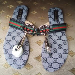 Women Gucci slippers